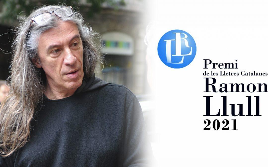 """Gerard Quintana arriba al cim literari amb el 41è Premi Ramon Llull """"L'home que va viure dues vegades"""" és el segon llibre del cantant de Sopa de Cabra"""