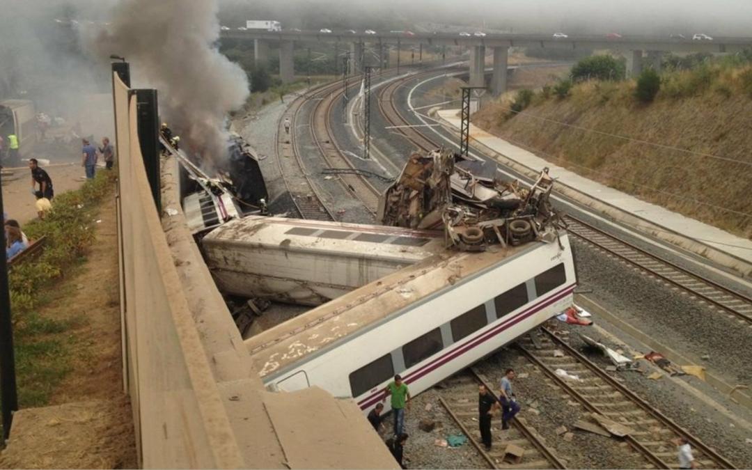 La justícia espanyola empra caps de turc per evitar responsabilitats polítiques en el cas de l'accident de tren a Galícia Solament el maquinista i l'exdirector de Seguretat d'ADIF en resulten investigats; un documentari narra les deficiències de la màquina i la infraestructura