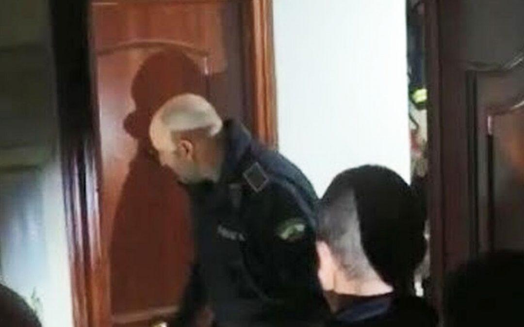 Marlaska recupera Corcuera i deixa la intimitat ferida de mort El ministre de l'Interior actualitza la llei de la 'puntada a la porta' dels 80 per autoritzar l'entrada policial a domicilis privats