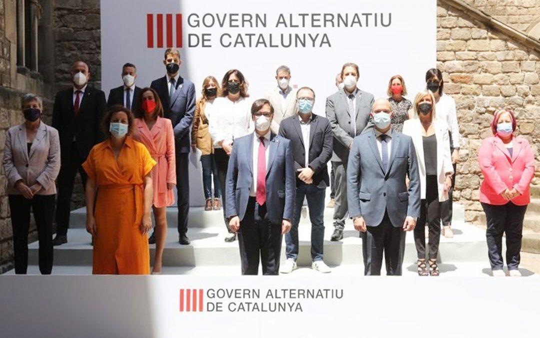 Illa presenta el Govern Alternatiu de Catalunya Ho fa a 300 metres de la Generalitat i n'imita el logotip