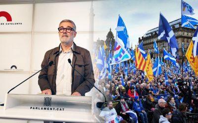 La CUP torna a rifar-se dels independentistes per proposar de fer un referèndum com a Escòcia Oculten que a Escòcia hi va haver una tupinada, que a Catalunya ja vam guanyar i que caldria acordar-lo amb l'estat