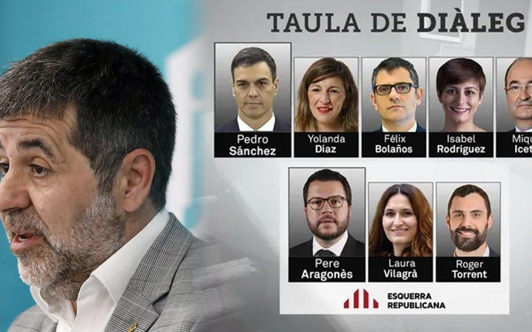 Jordi Sànchez torna a aixecar la camisa a l'independentisme Va afirmar, en una entrevista a Catalunya Ràdio, que ERC no havia estat deslleial amb Junts pel que fa a la taula de diàleg