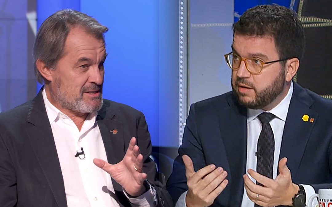 Artur Mas confessa a TV3 que va aixecar la camisa a tot Catalunya; Pere Aragonès ens l'aixeca ara El primer afirma que va prometre falsament la independència; el segon la promet ara gràcies a la taula de diàleg